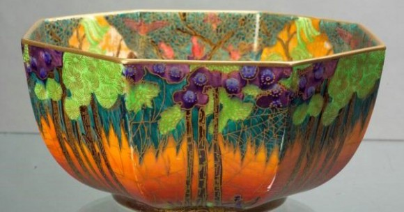 Fairyland Lustre Pattern Z5481 Vase